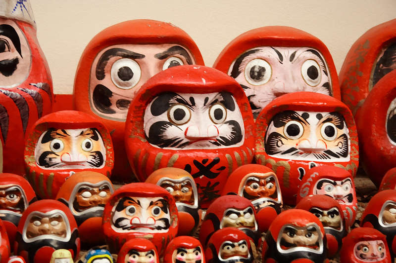 daruma-dolls.jpg (800×533)